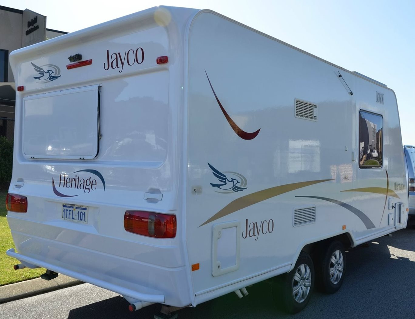 Jayco Heritage Restored to better than new shine.
